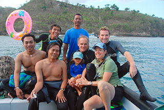 Divemaster :Moyo (I Made Sudirata), Captain Wayan Yapta. Made Dharma Jaya (from CI) Brett with a lovely young lady (Miss Marina Hobson), and Manager of Bali Diving Academy Lembongan Sven Fautz. (Front row L to R):Iwan Dewantama (CI), Tierney Thys.